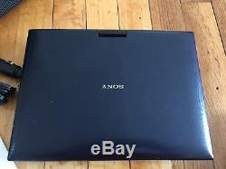 Sony BDP-SX910 Portable Blu-ray Disc / DVD Player, (9 Screen) With Carry Bag